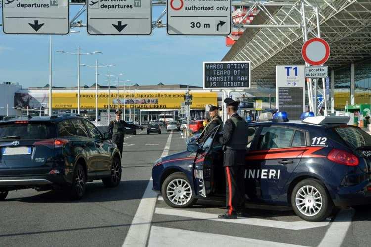 Controlli presso gli aeroporti