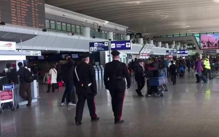 arrestati 2 stranieri per furto