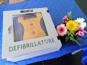 Fiumicino, Scuola primaria e secondaria Colombo di Focene: consegnato defibrillatore