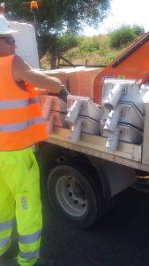 Fiumicino, Pali dell'illuminazione rotti: sostituzione in corso