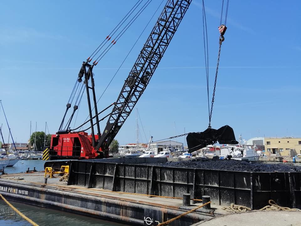 Fiumicino, Darsena: in corso il dragaggio del fondale