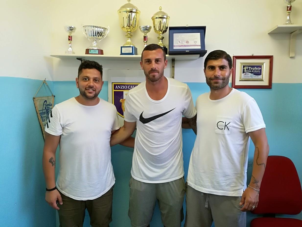 Jacopo Camilli con il ds Guido Zenga e l'allenatore Mario Guida (foto Ferri) (1)