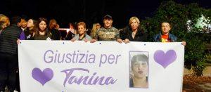la fiaccolata per ricordare Tanina Momilia
