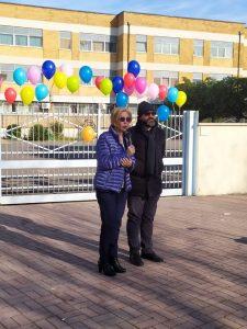 Fiumicino, Scuola di via Coni Zugna: l'assessora Anselmi al corteo dei genitori coinvolti nella vicenda della maestra reintegrata