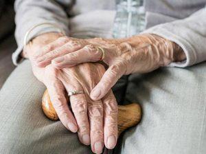 Fiumicino, Coronavirus: attivato il servizio di assistenza ad anziani, malati e persone con disabilità