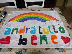 Fiumicino, #Andràtuttobene: gli arcobaleni dei bambini a casa contro il Coronavirus
