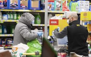 """Fiumicino, Negozi chiusi alle 19, l'appello del sindaco: """"Fate una spesa abbondante e poi restate a casa"""""""