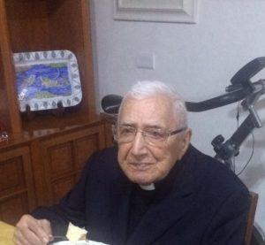 """Fiumicino, Calicchio: """"Auguri a don Tommaso per i suoi 101 anni"""""""