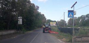 Fiumicino, Proseguono i lavori di sfalcio sulle strade della città