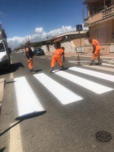 Fiumicino, Continuano i lavori di ripristino e rinnovo della segnaletica stradale